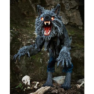 4 ft howling werewolf animatronics decorations - Spirits Halloween Alexandria La