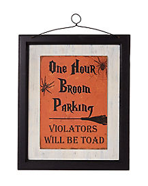 One Hour Broom Parking Wall Sign