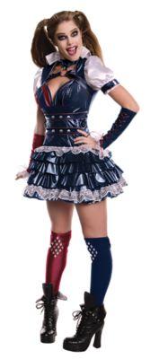 a women modeling a halloween costume