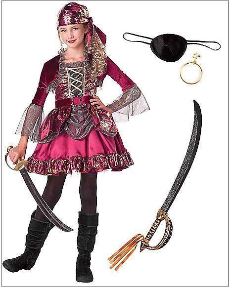 Pirate at Spirit Halloween