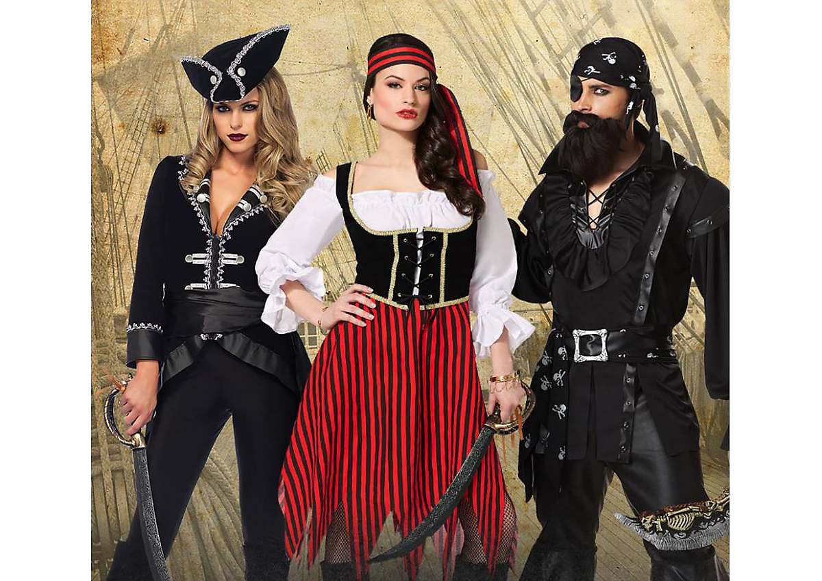 Pirate Costumes for Couples