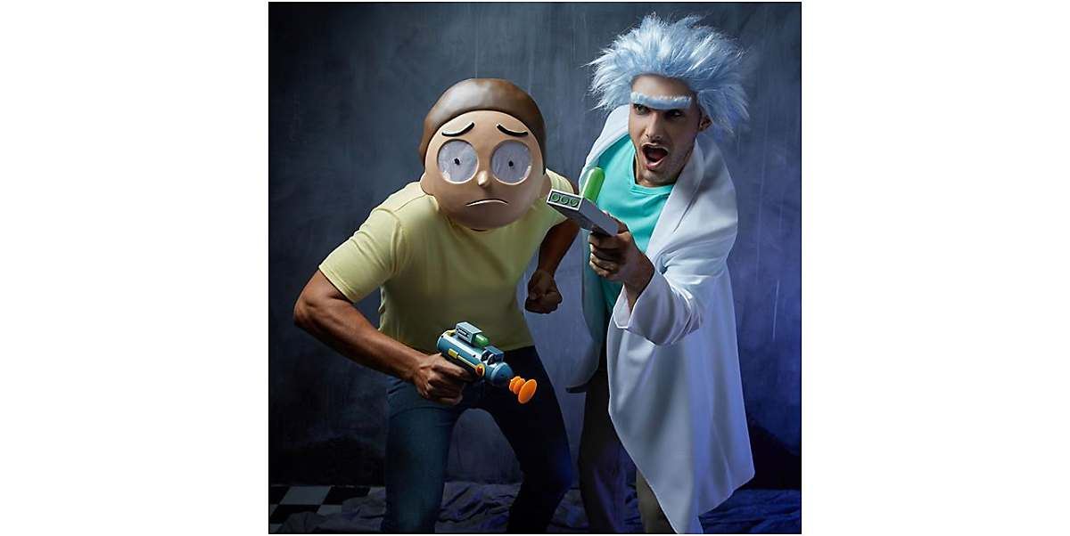 aw geez rick fans of rick and morty were overjoyed when the shows creators announced that the series had been renewed for a whopping 70 additional - Christmas Movie Costumes